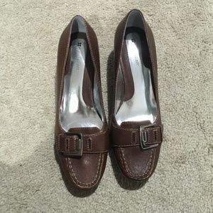 Naturalizer Women's brown leather loafers Sz 9M